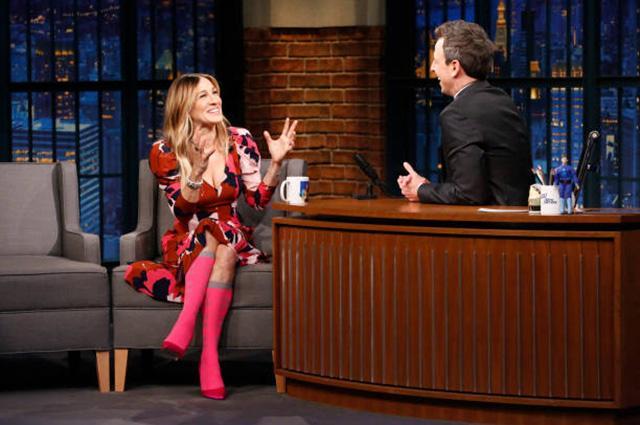 Сара-Джессика Паркер доказала, что носить яркие колготки можно в любом возрасте