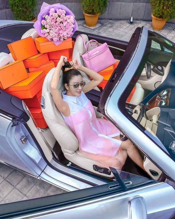 Стюардесса из Сингапура собрала саму дорогую коллекция сумок Hermes. Она стоит $2 млн!