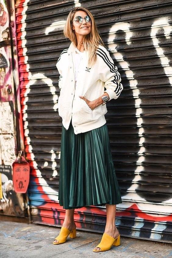 a503f22e042 Такая разная юбка-плиссе  5 женственных образов для самых романтичных