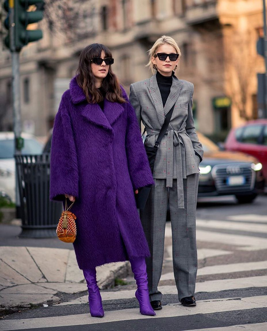 Сквозь фиолетовую призму: 10 стильных образов с цветом сезона