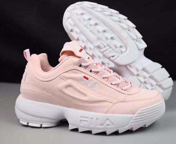 Будь в тренде: 4 пары самой модной обуви этой весны
