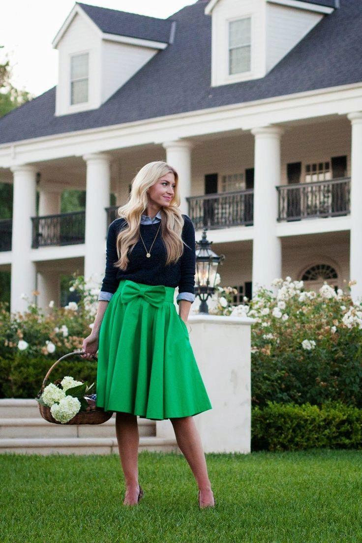 Весенний переполох: 7 эффектных образов с пышной юбкой-миди