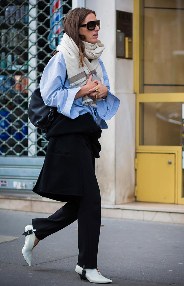 Брюки со штрипками — тренд сезона: 9 ярких примеров, как и с чем носить