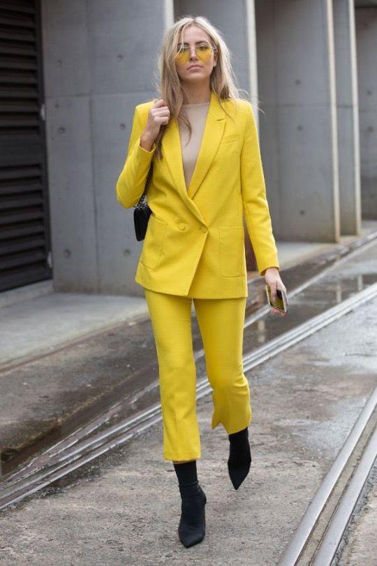 Весенний переполох: 6 эффектных образов в ярко-желтом цвете