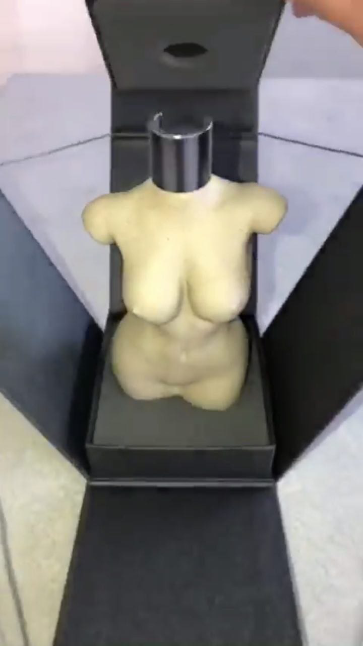 Угадайте, как будет выглядеть скандальный флакон духов от Ким Кардашьян. В ее стиле!
