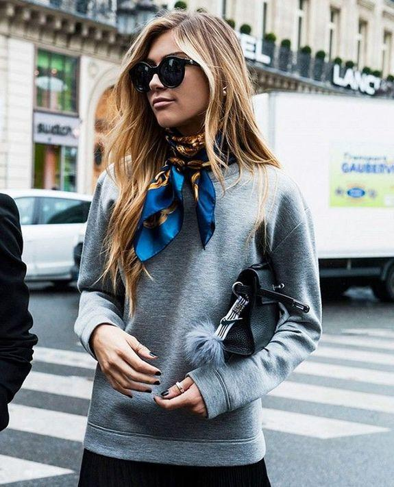 С шеи — на ноги: 12 стильных идей, как обыграть шелковый платок
