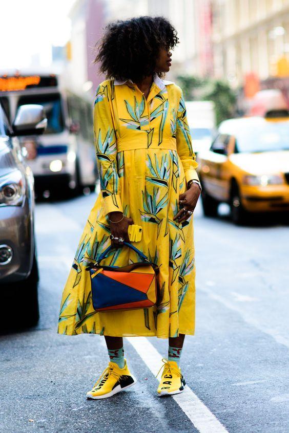 Летнее настроение: 9 потрясающих образов в желтом цвете