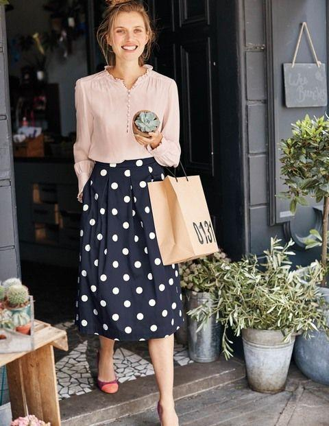 Как всех огорошить своей юбкой: 3 стильных образа с популярным принтом