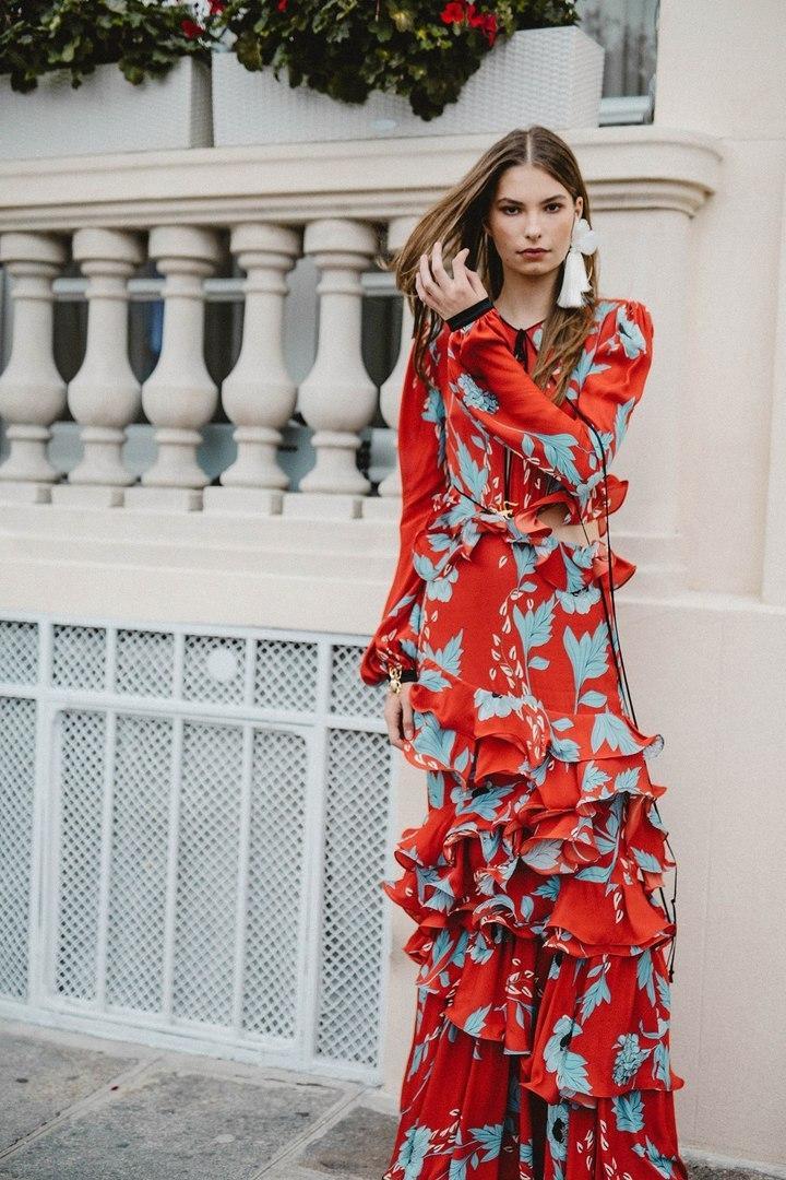 Сама женственность — лучшие образы коллекции Johanna Ortiz в самых трендовых цветах