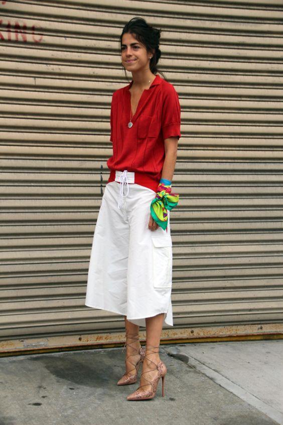 Как носить красную блузку, чтобы все завидовали: 10 сногсшибательных образов