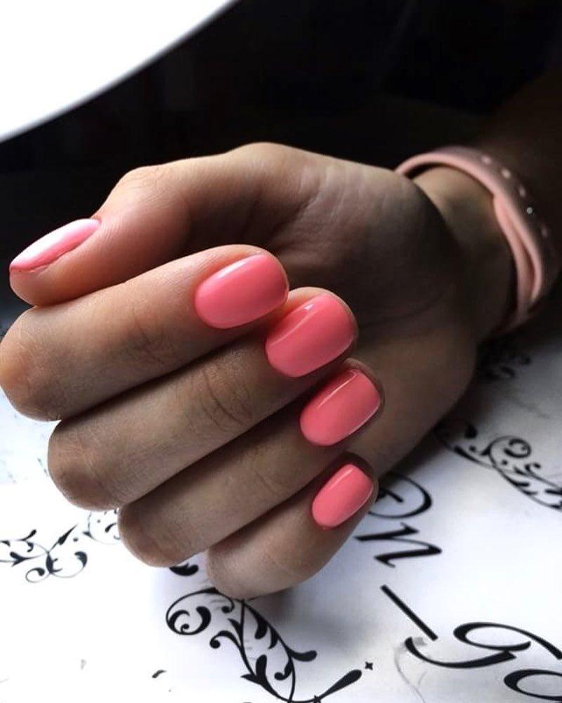 Геометрия, минимализм и Малевич: 11 ярких трендов в летнем маникюре