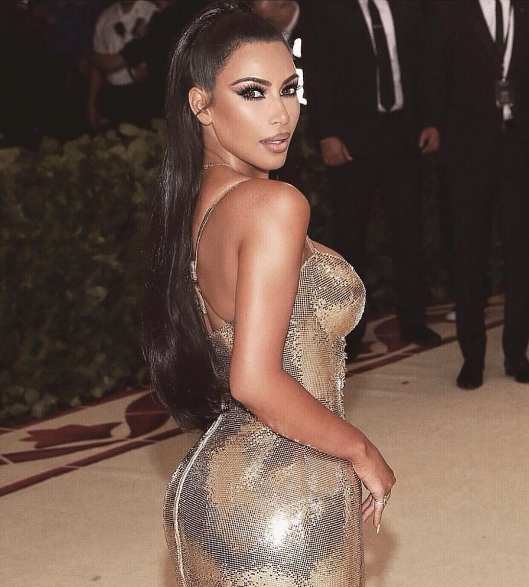Что на тот раз, Ким? — эпатажная Кардашьян опять скопировала образ Бейонсе