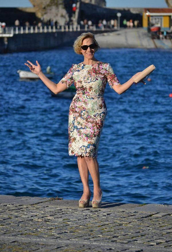 Вот 7 идеальных платьев, которые не стыдно надеть в 45+