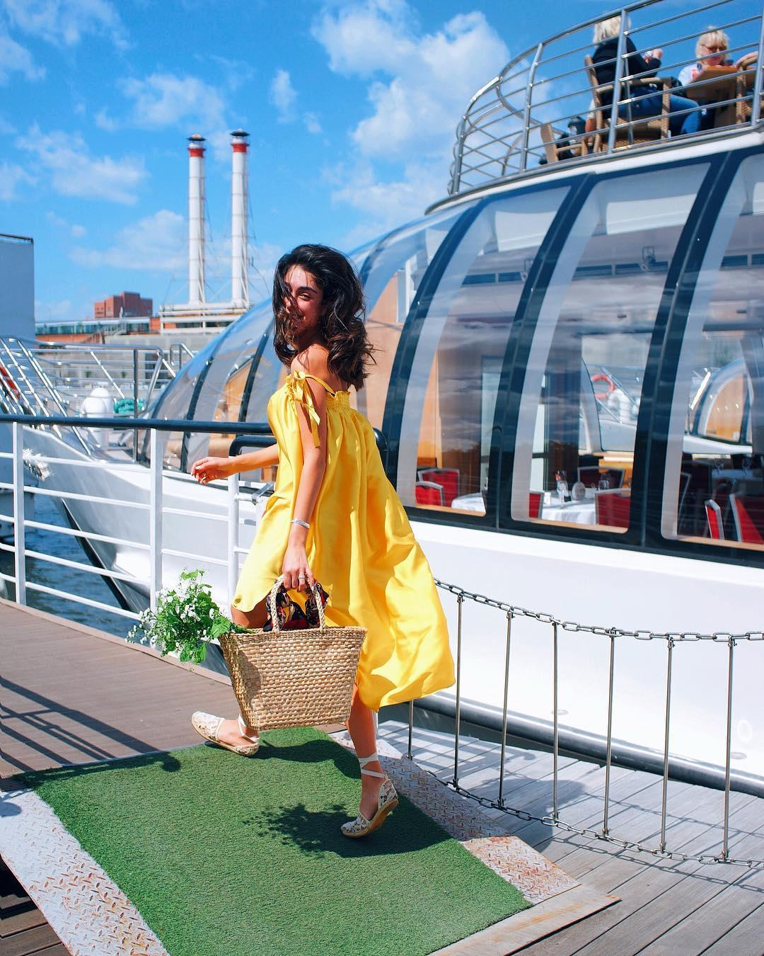 Если носить желтый цвет — то точно как Ирма: 5 сочных идей от модницы из России