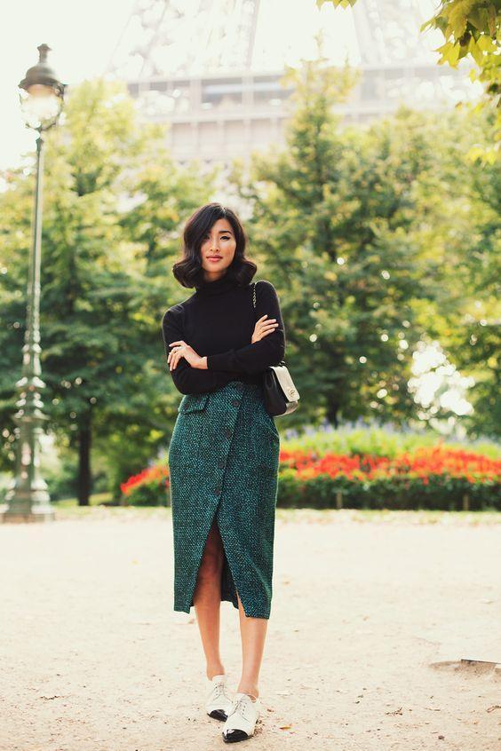Строгая офисная, яркая праздничная и ультра-современная: 13 роскошных образов с юбкой миди