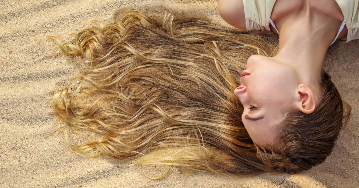Эти 4 совета помогут вам привести в порядок пересушенную кожу, волосы и ногти (после отпуска)