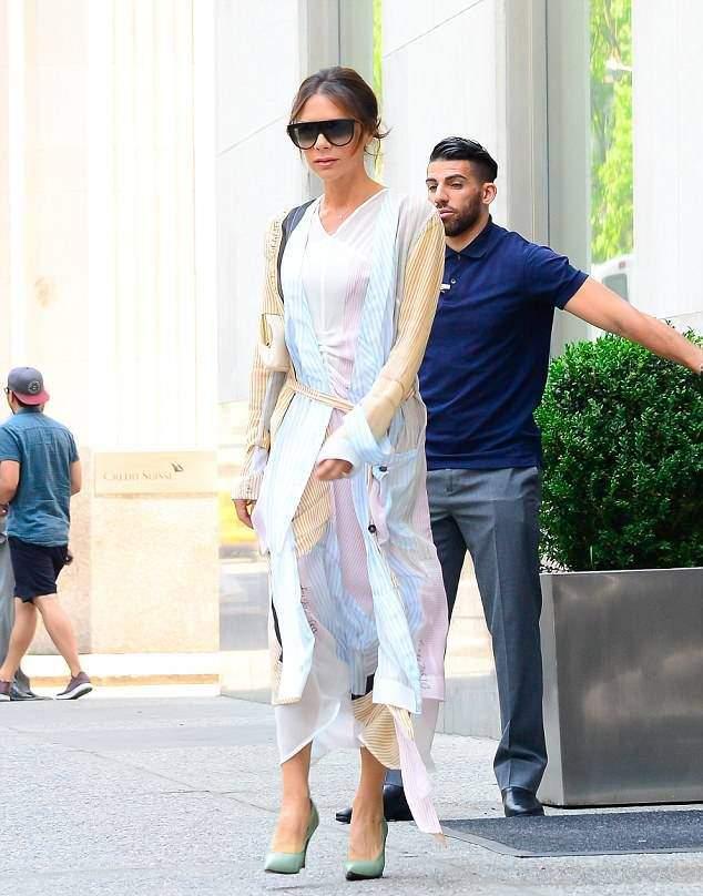 Носим платья-миди как Виктория Бэкхем, Джиджи Хадид и другие звезды: 5 образов от самых стильных звезд