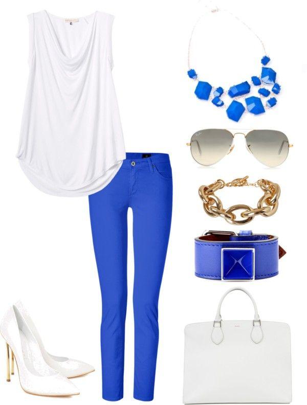 Синим по белому: 10 элегантных образов в цветовом дуэте