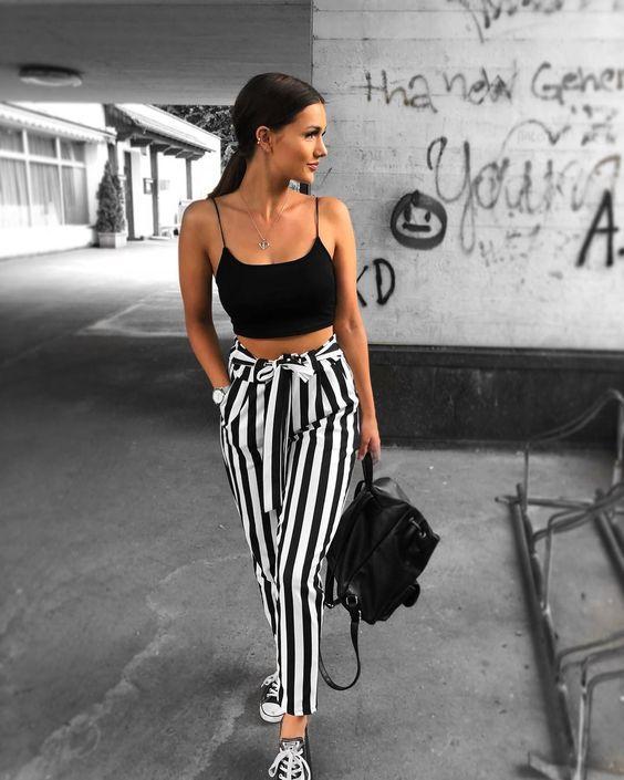 Стильная полоска: 12 образов с брюками вашей мечты