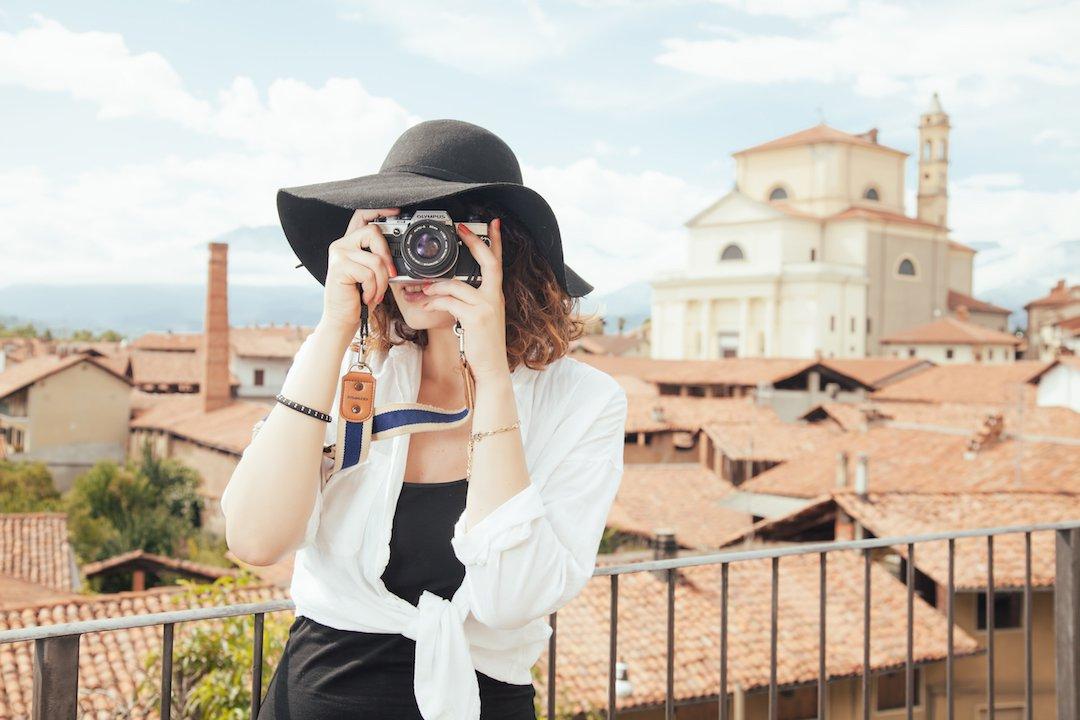 Возьмите эти 12 вещей в Европу, чтобы быть самой стильной и легко гулять весь день