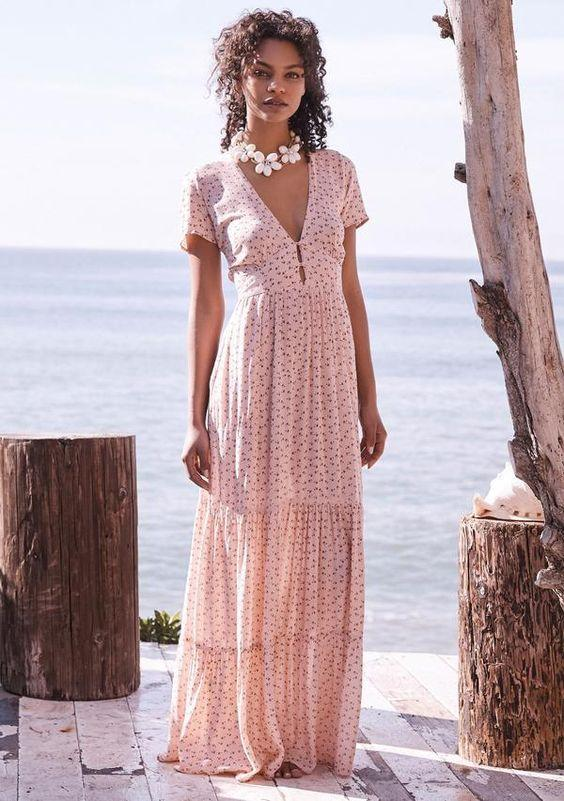 На волне романтики: 8 платьев в пол, от которых мужчины будут терять голову этим летом
