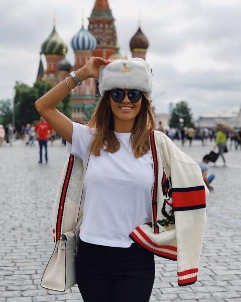 Опять в голом платье: фигура Виктории Бони восхитила футболистов на Суперкубке