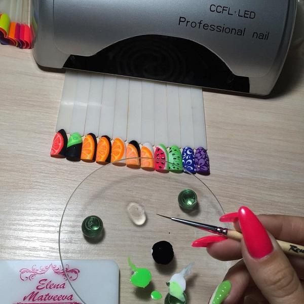 Если ваш ногтевой мастер делает эти 5 вещей, значит он настоящий профи