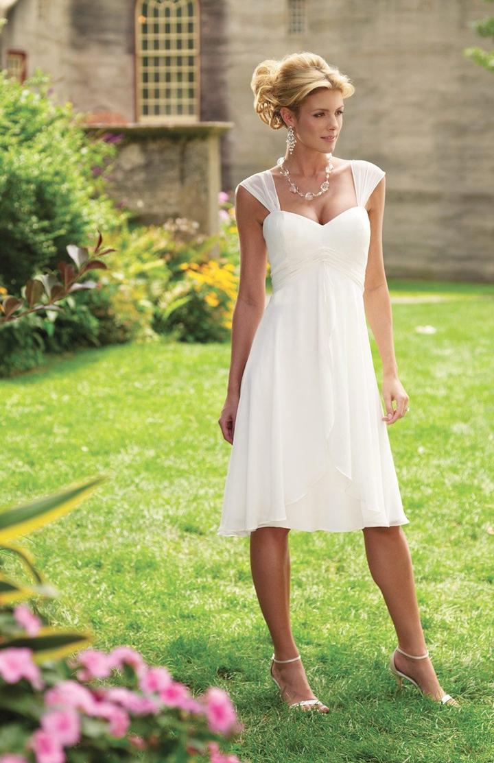 14 красивых (и бюджетных) платьев на свадьбу к подруге