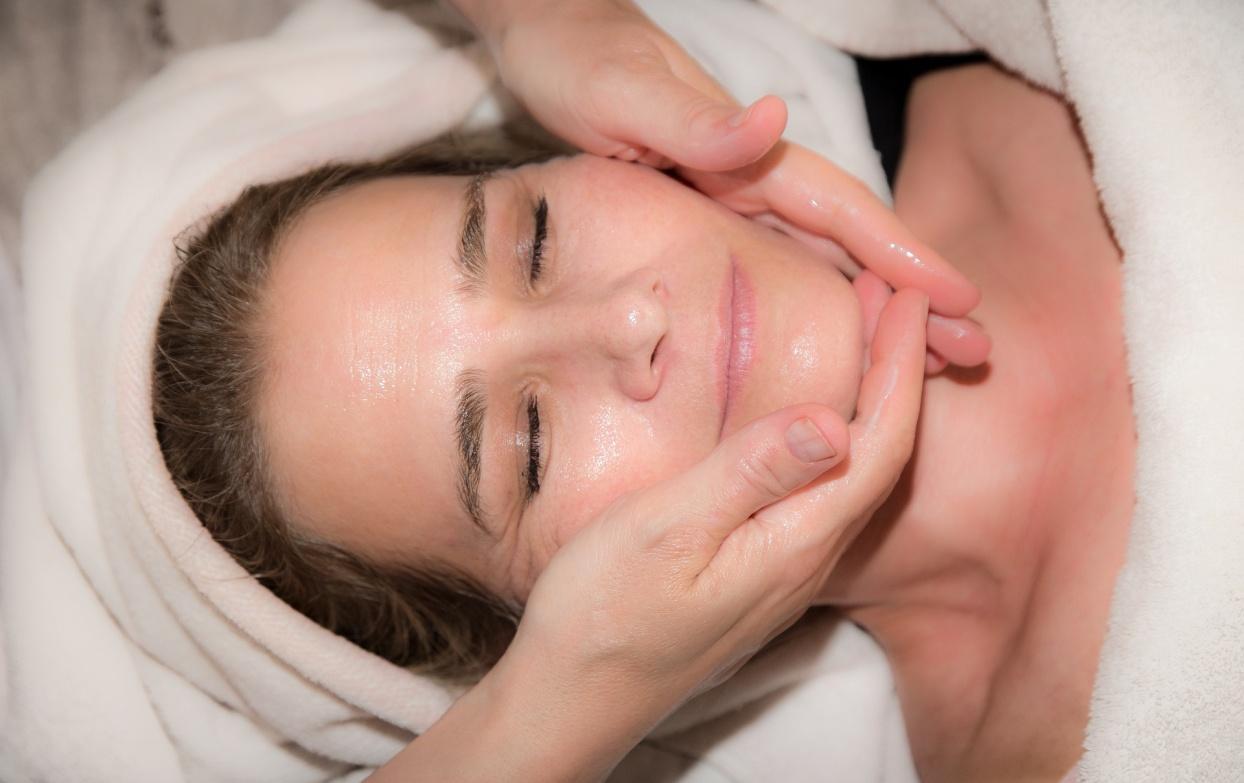Делайте эти 7 процедур в нужный день, чтобы и в 50 ваша кожа была как у 20-летней