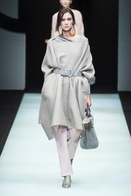 Бархат, вельвет и классика — новая коллекция Джорджио Армани как подарок городским модницам