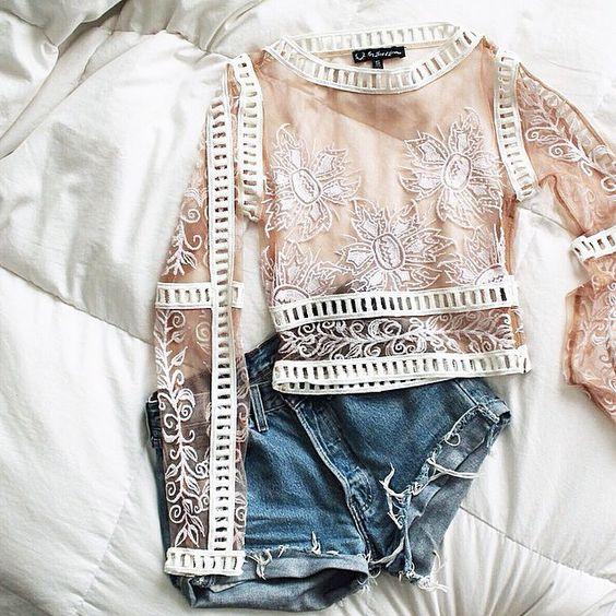 Пикантно и со вкусном: 5 способов носить прозрачные вещи и не выглядеть вульгарно
