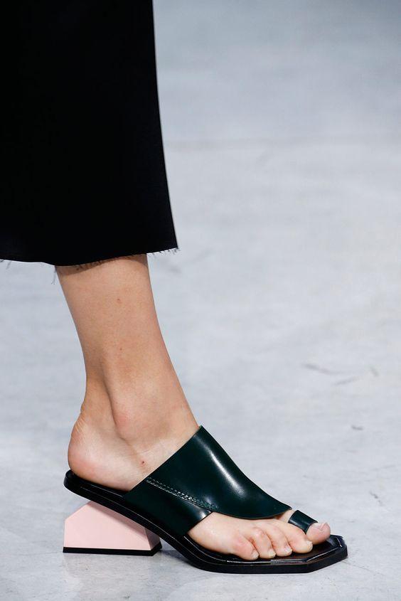 9 главных ошибок в выборе обуви для офиса