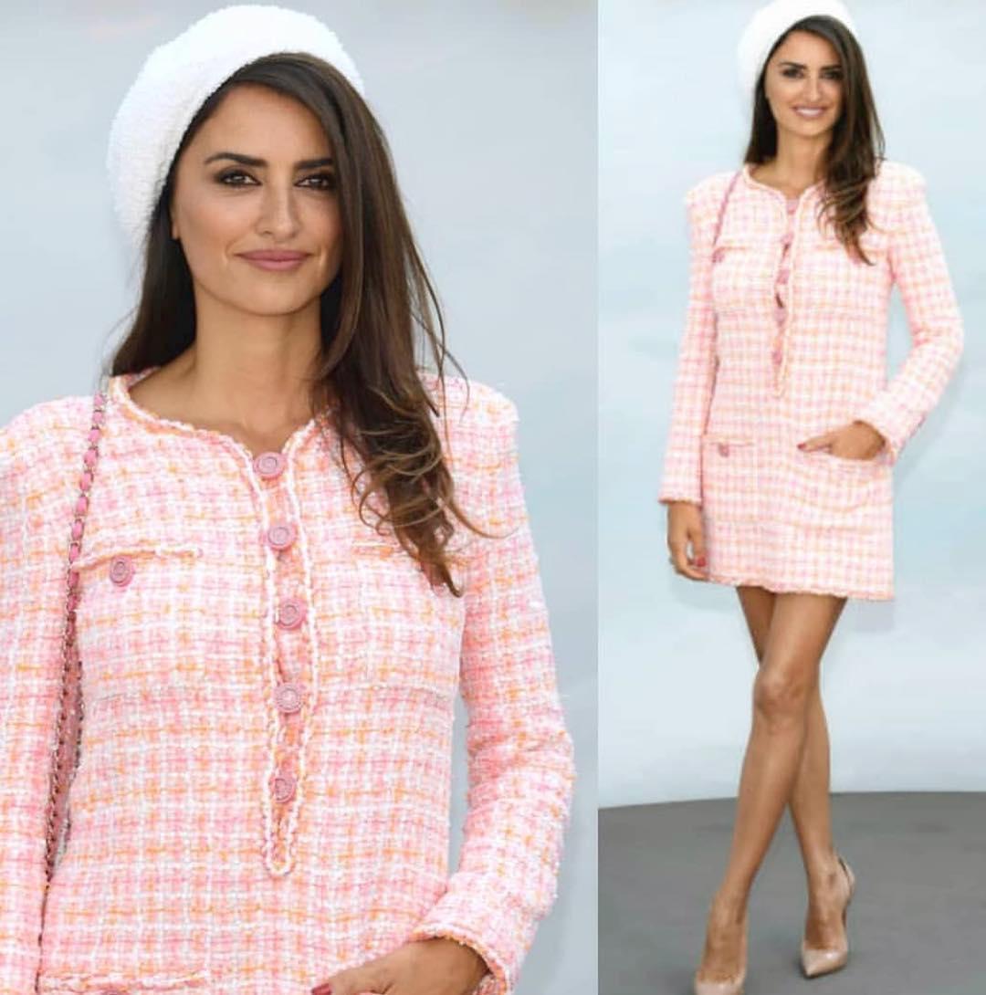 В розовом — от Chanel: Пенелопа Крус показала, как скрыть широкую талию