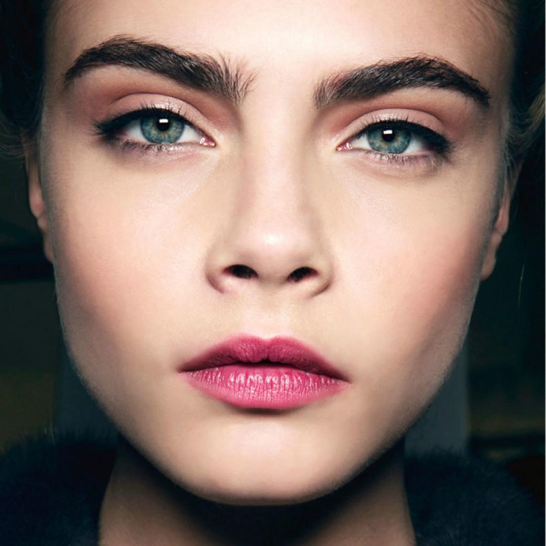 5 ошибок в макияже, которые жутко полнят лицо