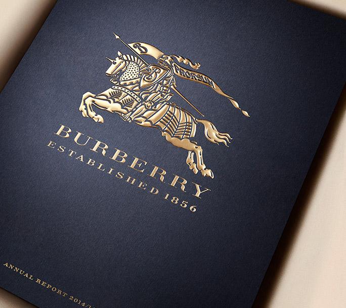 Burberry сожгли одежду на $36 млн., только чтобы не продавать со скидкой
