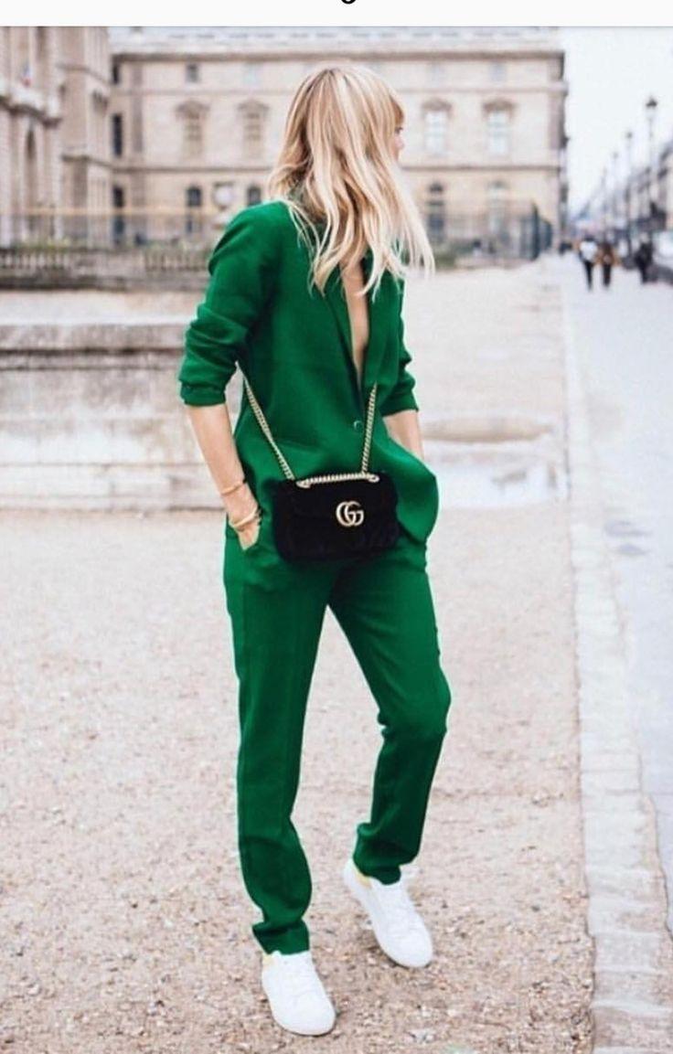 Верните лето: 9 стильных способов носить сочный зеленый цвет