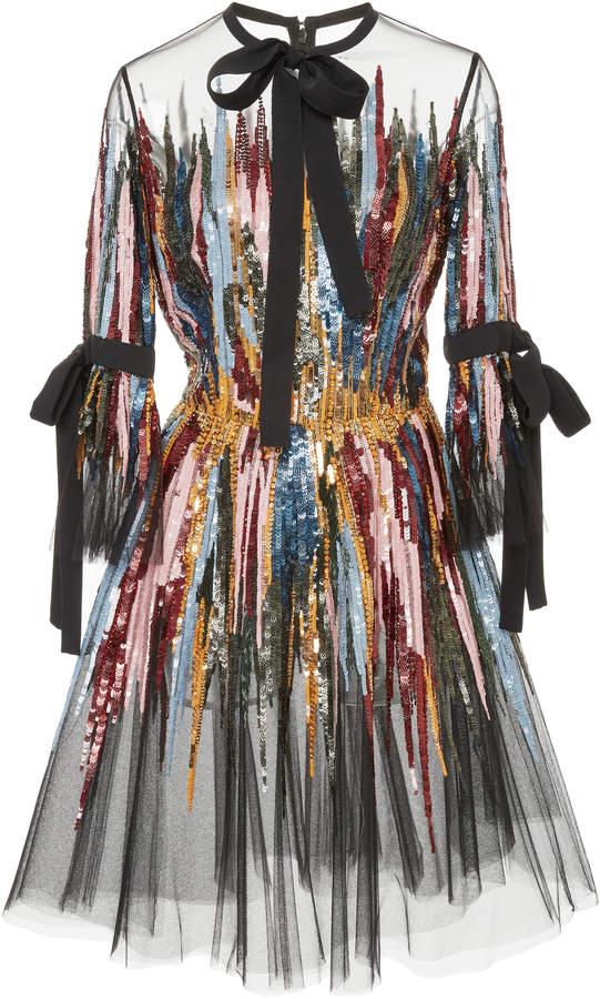 Платья из фатина и сетки: 5 шикарных вариантов для повседневных образов