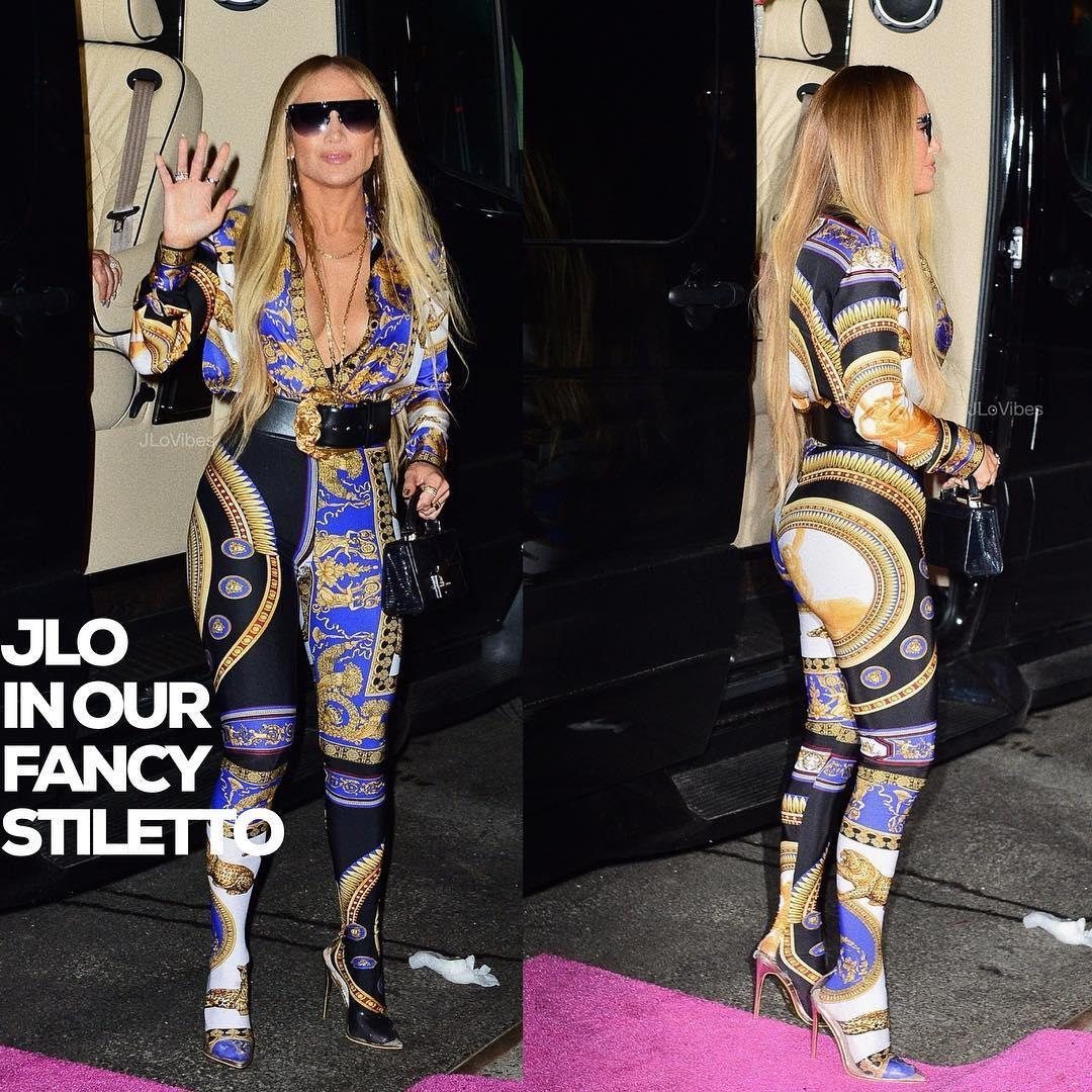 Дженнифер Лопес сменила 7 нарядов от Versace за вечер и стала королевой церемонии MTV VMA 2018