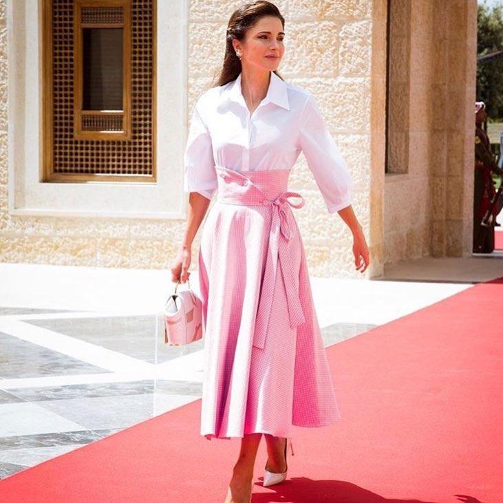 Нежная и женственная королева Иордании вновь очаровала своих образом