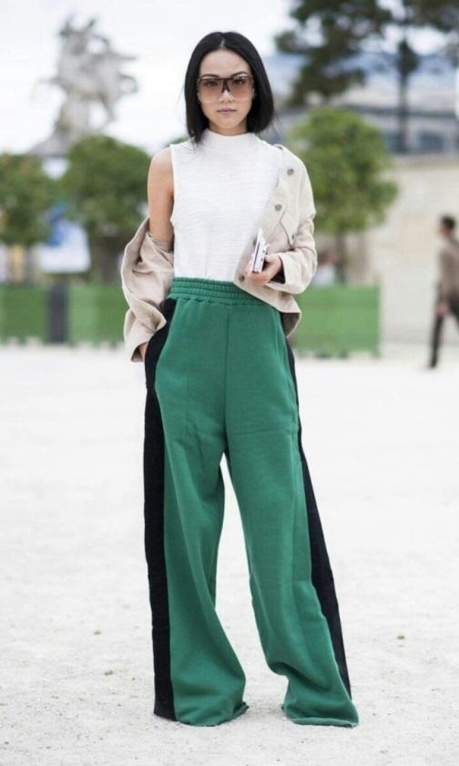 Тренд ушел – а мы против: 7 причин не выбрасывать брюки с лампасами