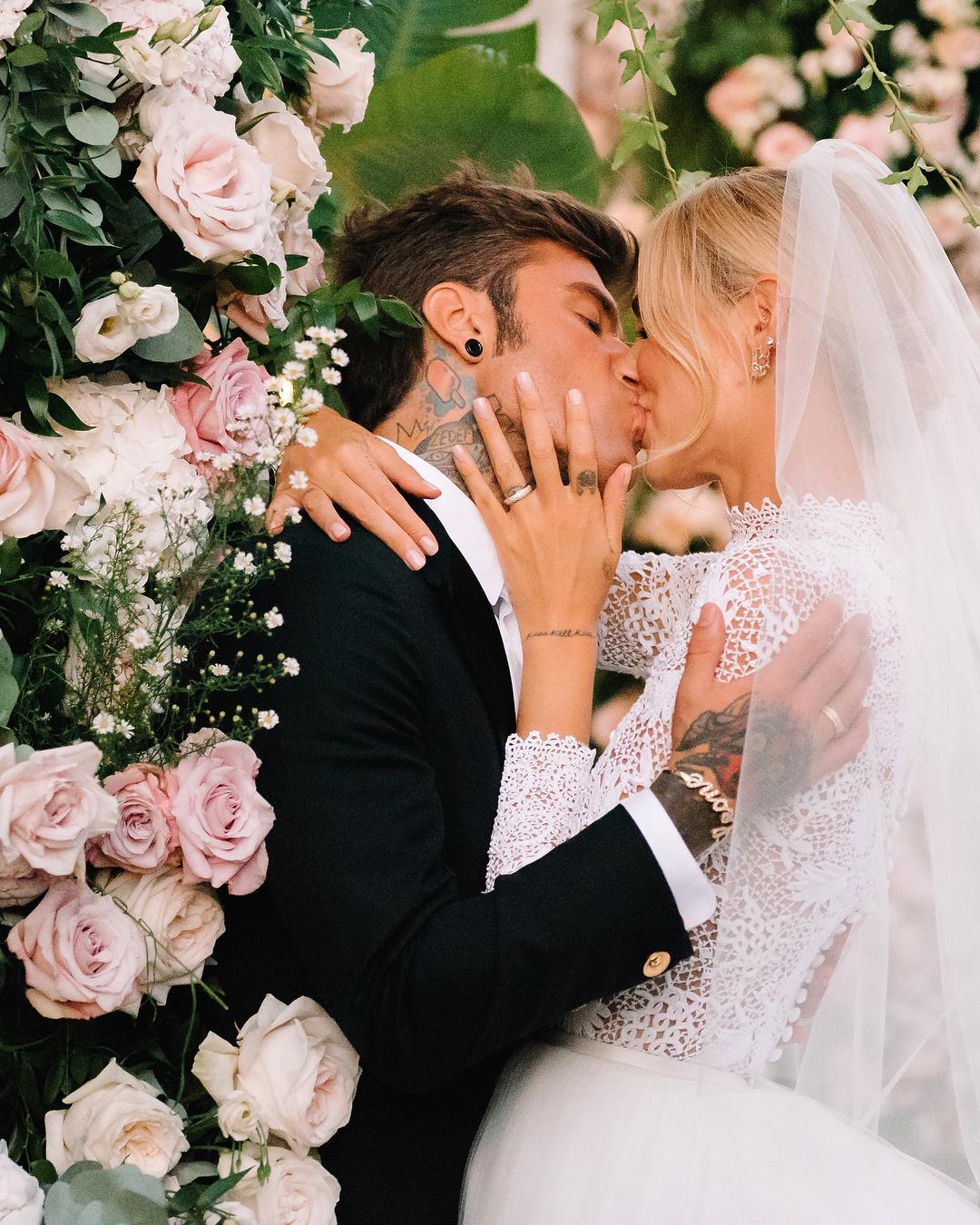 Самая стильная свадьба года: какие подвенечные образы выбрала Кьяра Ферранья и чем они нам запомнились