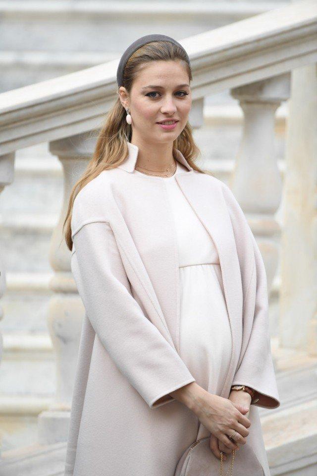 Если бы Грейс Келли это увидела, она бы одобрила: 14 шикарных образов принцессы Монако