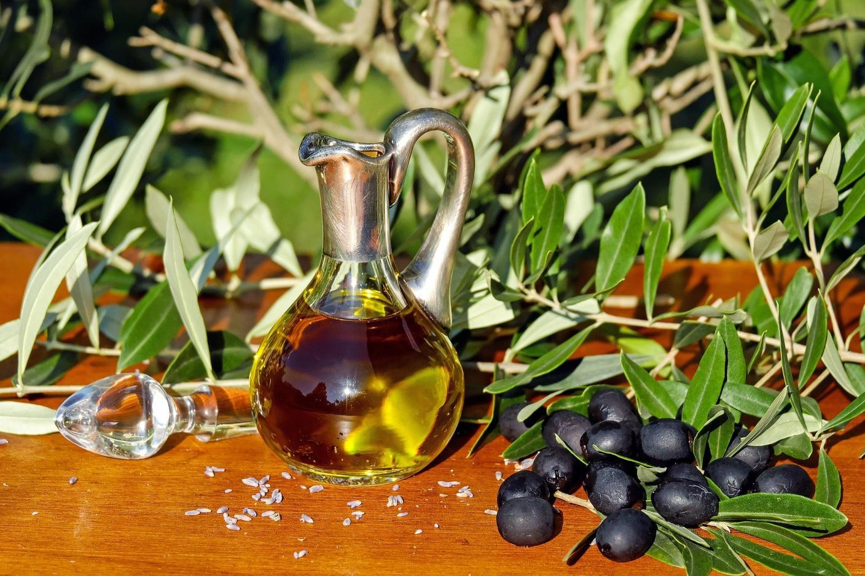 Как оливковое масло действует на кожу и действительно ли оно безопасно?