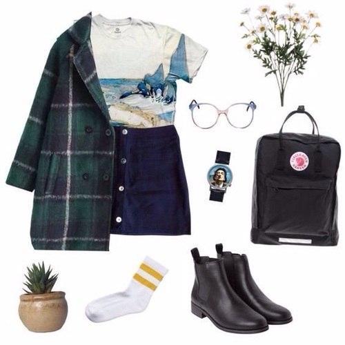 Девиз осени — практичность и неординарность: 10 стильных образов для активных женщин