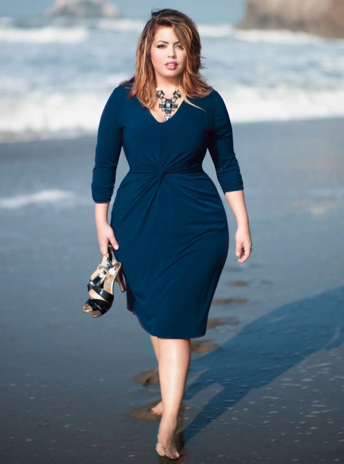 Если у вас большой бюст, эти 5 правил по выбору одежды спасут вас от модного провала