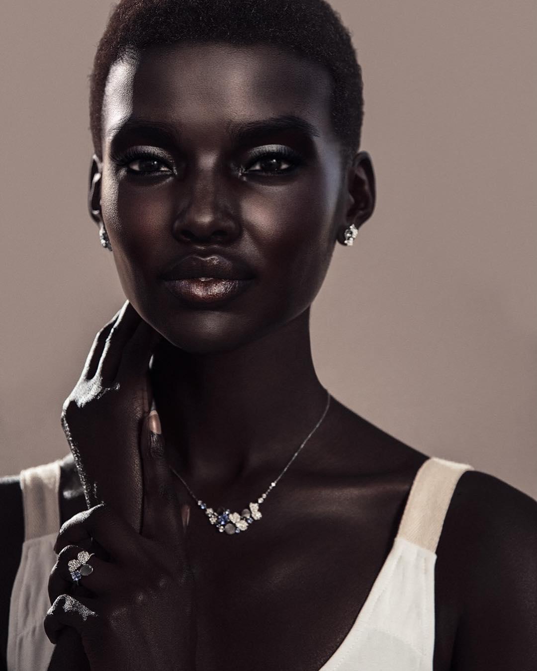 Эта модель так необычна, что уже покорила самые известные бренды, Instagram и тысячи мужчин