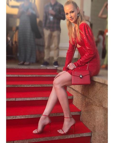 Кто на свете всех милее, всех моднее и красивее: 5 самых стильных звезд России