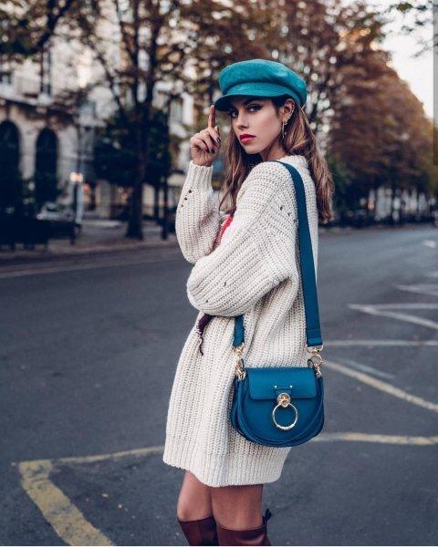 15 идей, как носить обычный свитер этой осенью и выглядеть неотразимо