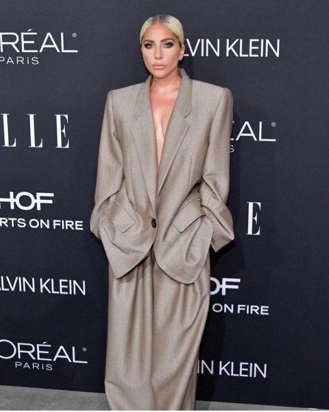Прическа как у Ким, костюм, как у Рианны, а на самом деле — Леди Гага в крайне необычном образе