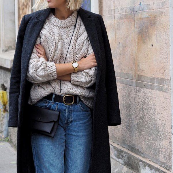 Даже в простых джинсах и свитере можно выглядеть эффектно